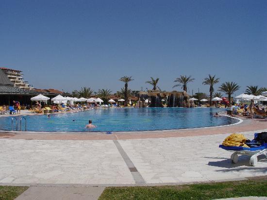 Papillon Belvil Hotel: Main pool