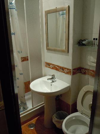 Hotel Picasso: banheiro