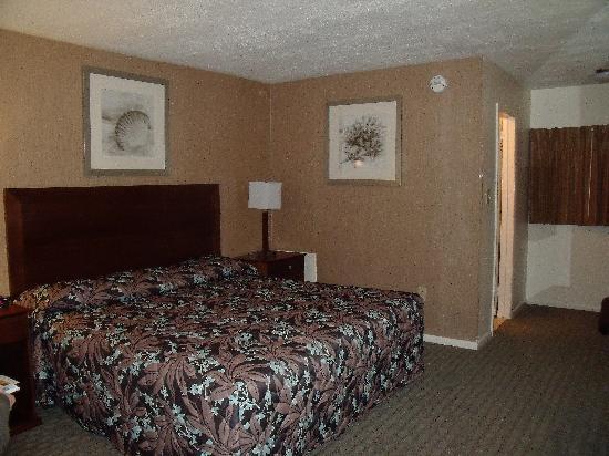 Victorian Motel: room