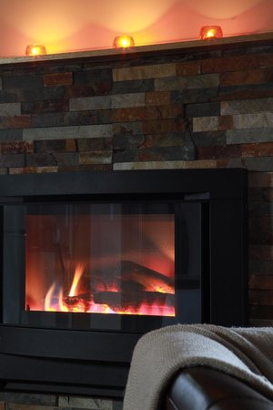 Blue Summit Cottages: Gas log fireplace in all cottages