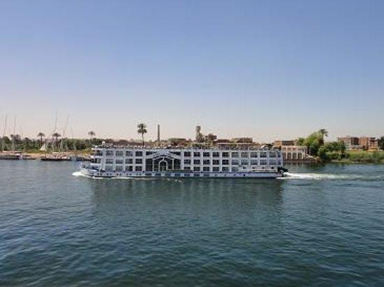 Ramasside Tours - Day Tours : Nile cruise ship