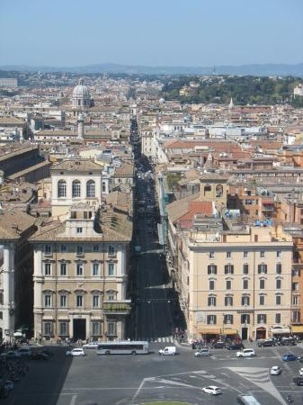Via del corso uma das principais ruas do centro hist rico for Mac roma via del corso