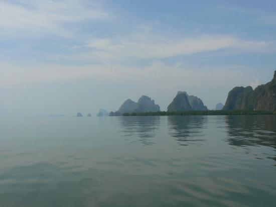Phangnga, Thailand: Phang Nga - island cruising on a longtail boat