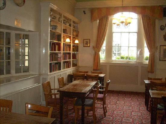 Great Expectations Hotel & Bar: the 'in house' library