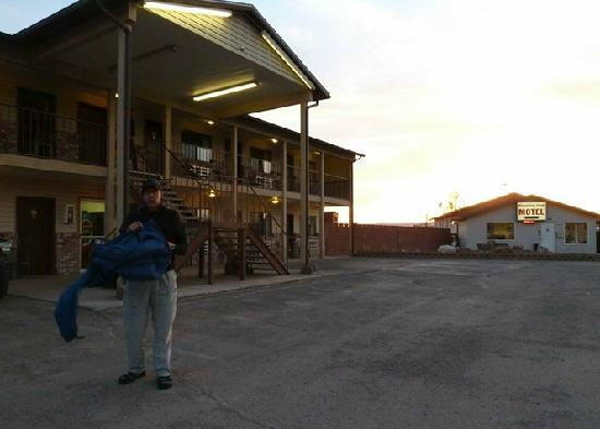 Hanksville, UT : the main hotel