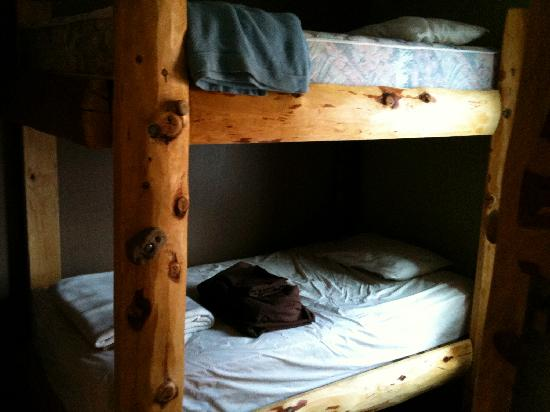 ซาลิดา, โคโลราโด: notice the climbing holds to get up to the top bunk