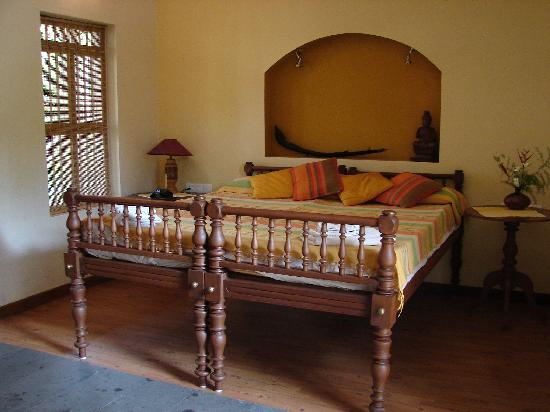 Motty's Homestay: The new ground floor bedroom