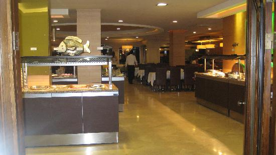 Grand Cettia Hotel: Restaurant