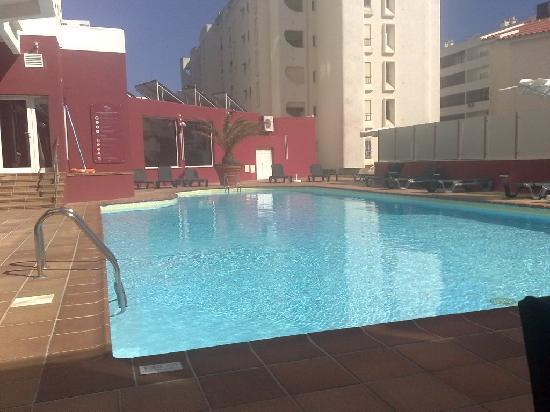 Quarteira Sol: pool at Quateria Sol
