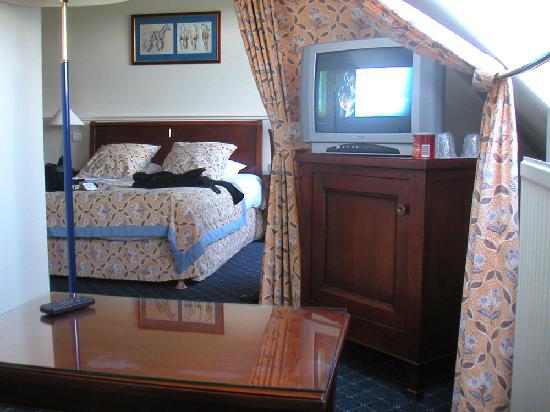 Hotel Les Jardins de Deauville: Chambre agréable