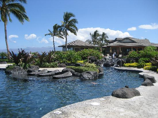 Halii Kai Resort at Waikoloa Beach: Pool with club house