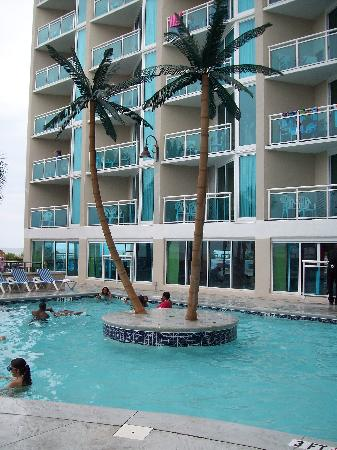 Captains Quarters Resort: One of the outdoor pools