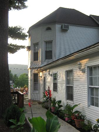 Waterstone Inn: side entrance