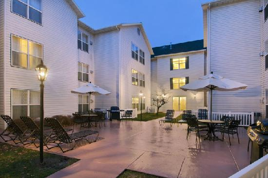 Homewood Suites by Hilton Salt Lake City-Midvale/Sandy: BBQ area