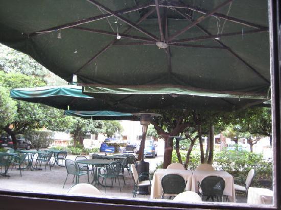 La Veranda Dell'Hotel Columbus: The garden