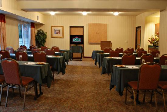 Country Inn & Suites by Radisson, Portland International Airport, OR: Alderwood Meeting Space