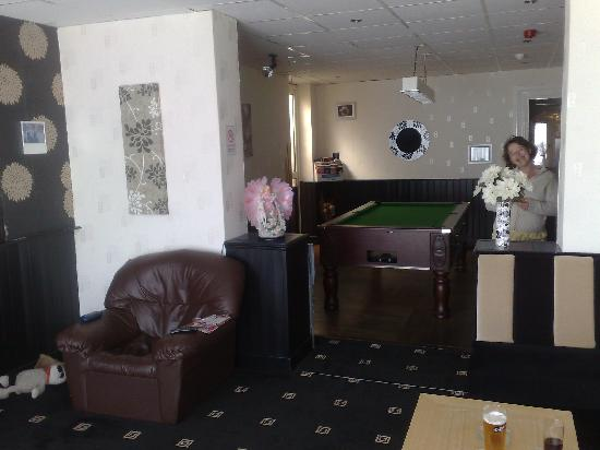 Rocklea Hotel : The lounge with pool table