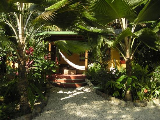 Pachamama Tropical Garden Lodge: Bungalow