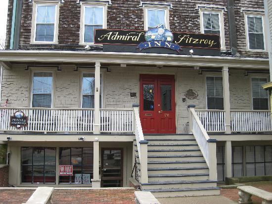Admiral Fitzroy Inn: exterior