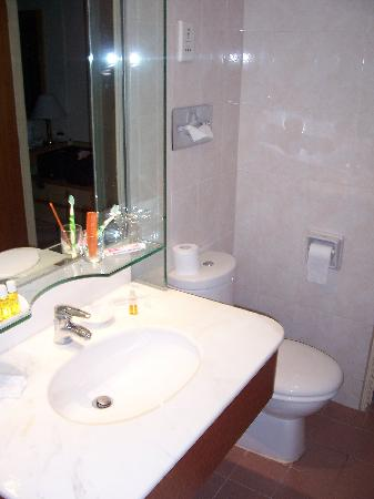 Hotel Miramar: Bathroom
