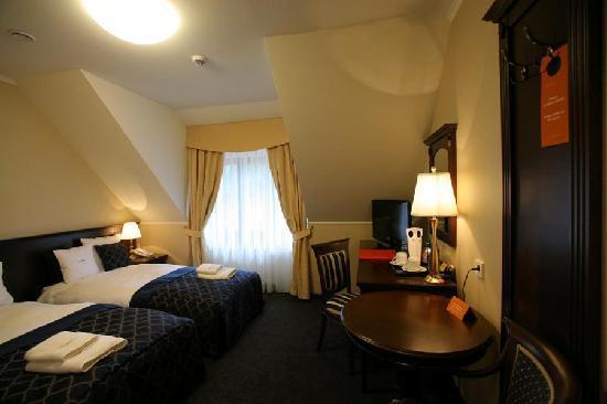 Grand Sal Hotel : Twin room