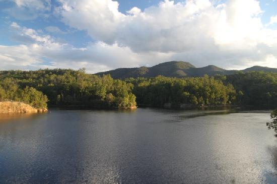 Fernmark Inn : Brogo Dam, 6km up the road from the B&B