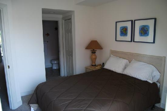Cambridge Cove At Bermuda Bay: One of the bedrooms
