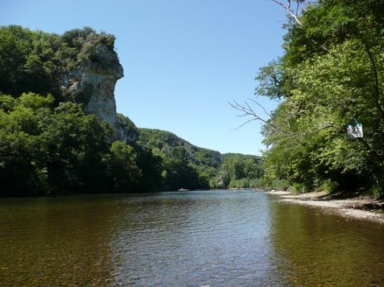 Sarlat-la-Caneda, France: The river: Dordogne