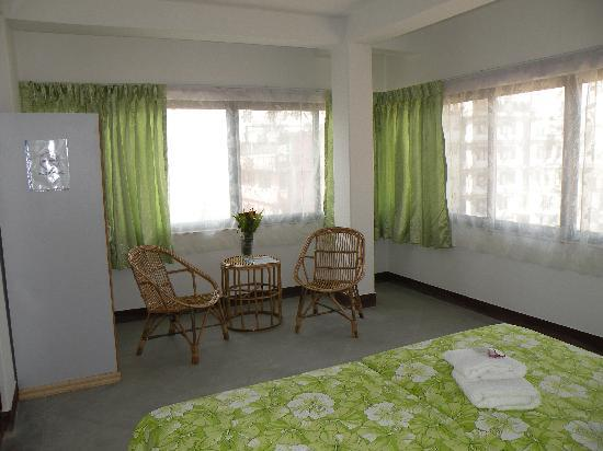 Asmita Bed & Breakfast: Ours rooms