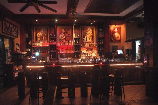 Cantante Cafe: Cantante Bar
