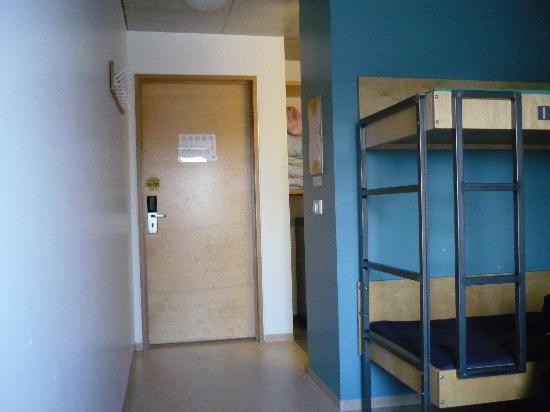 Reykjavik City HI Hostel : Room