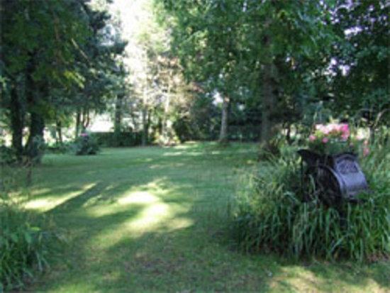 Wièrre-Effroy, France : Parc de l'auberge