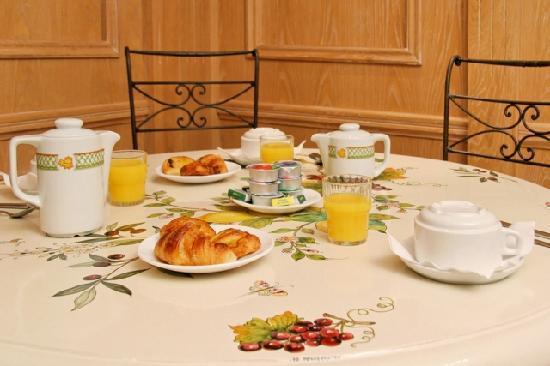 Niel Hotel: salle petit déjeuner - Hôtel NIEL