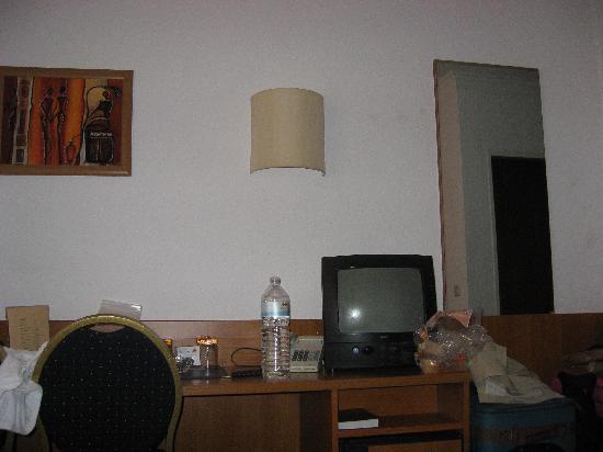 Novum Hotel Primus Frankfurt Sachsenhausen: Scrivania