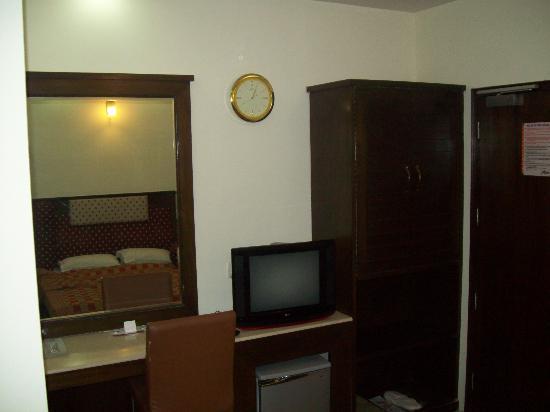 هوتل أستر إن: Room