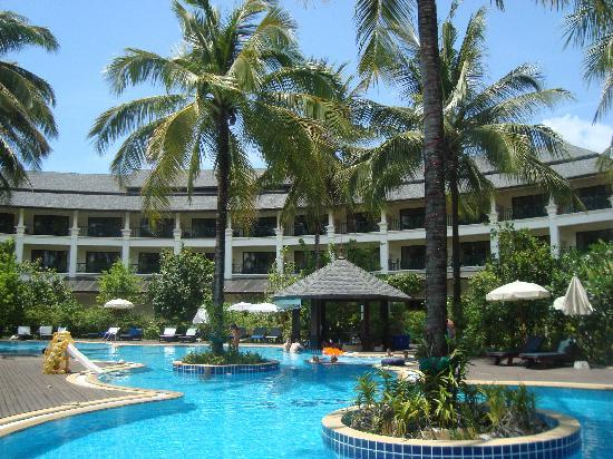 Khaolak Orchid Beach Resort: View of the pool