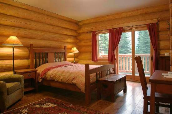 Island Lake Lodge: typical room