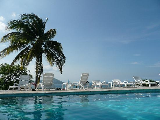 The Mount Nevis Hotel: An afternoon at the pool