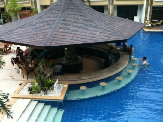 Swim up pool bar. - Picture of Henann Regency Resort & Spa ...