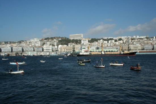 Algiers, Algeria: LE PORT ET VUE SUR ALGER