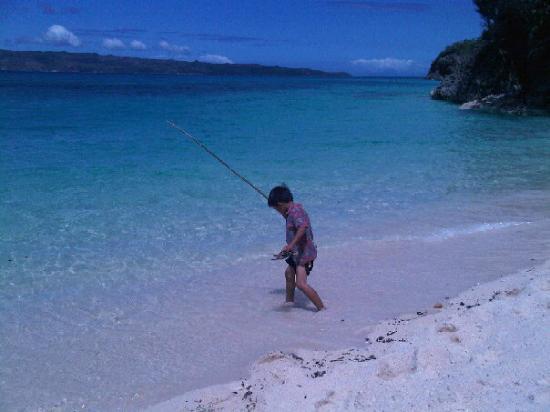 Yapak Beach (Puka Shell Beach) : Filippino child-Puka Beach Mar 6 2010