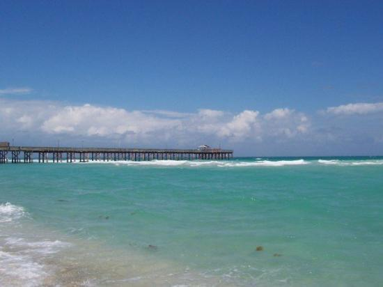 Sunny Isles Beach, FL: The private pier at our resort