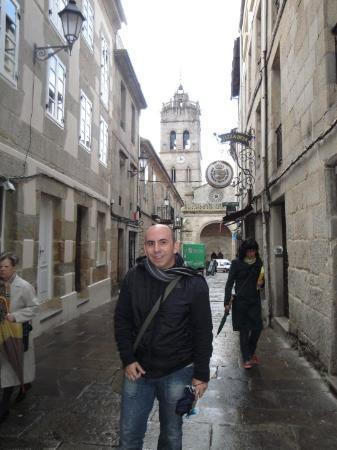 Lugo, Spain: Por una de sus rúas.