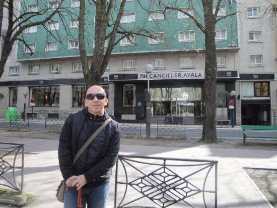 Vitoria-Gasteiz, Spain: Fachada del hotel NH Canciller Ayala, que yo recomiendo por si os quedais en la ciudad.