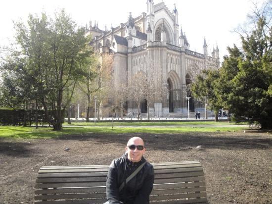 Vitoria-Gasteiz, Spagna: Aquí, pasando un poquito de fío, pero al solecito.