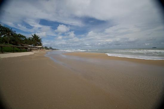 Novotel Rayong Rim Pae Resort: Thailand, Rayong. Beach in front of Hotel Novotel Rim Pae