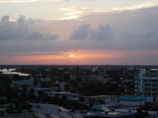 Treasure Island, FL: Sunrise