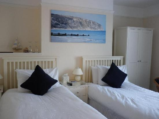 A Great Escape Guest House: Room 2 - Super King or Twin bedroom with ensuite facilities