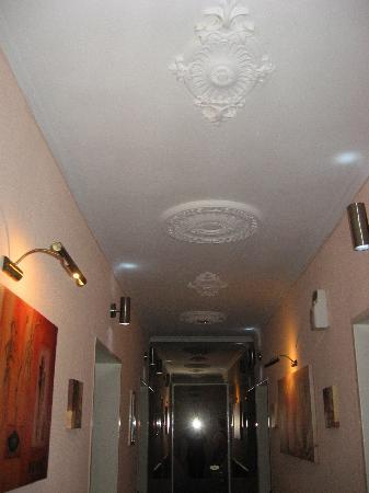 Novum Hotel Primus Frankfurt Sachsenhausen: corridoio