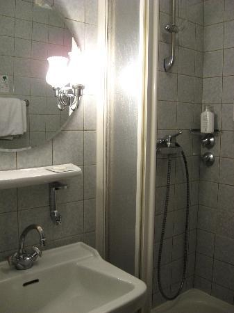 Novum Hotel Primus Frankfurt Sachsenhausen: bagno